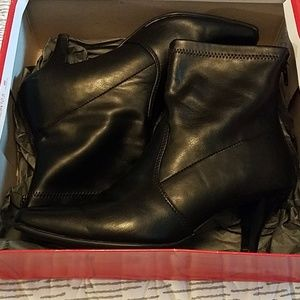 Aerosoles black ankle boots.  New